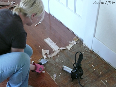 How to protect hardwood floors when moving