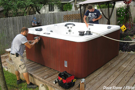 How to prepare a hot tub for moving
