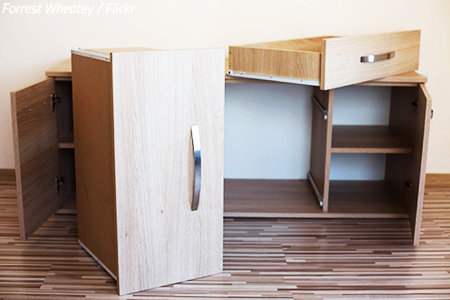 How to disassemble furniture when moving