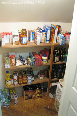 What should you do with food before moving?