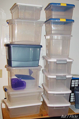 How to pack food for moving